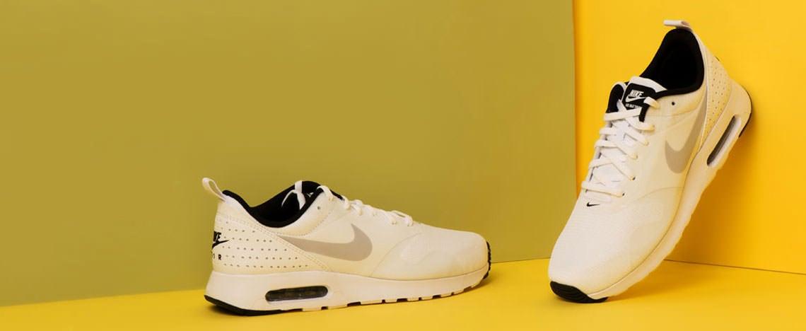 Fehér tornacipők