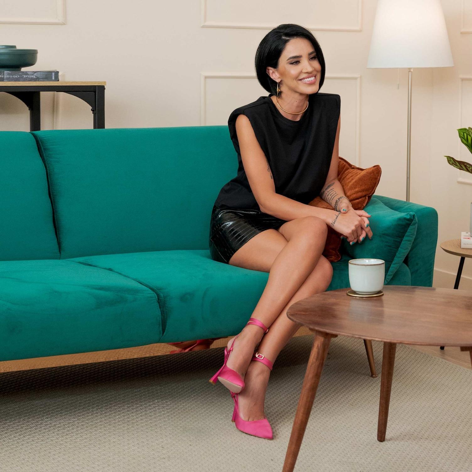 Adelina Pestritu, pe canapea la TRANSPARENT!
