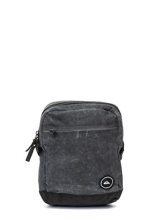 Magical keresztpántos táska logórátéttel ... 03b3273331