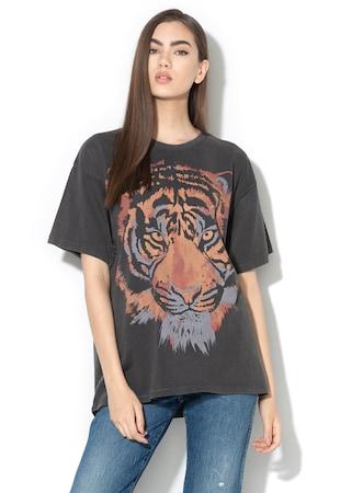 b4a88dbc4908 ... Nagyméretű mintás póló ...
