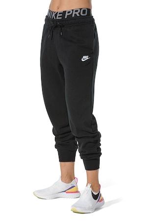 Спортен панталон Sportswear Club с джобове встрани
