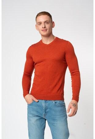 Merinógyapjú-tartalmú pulóver V alakú nyakrésszel