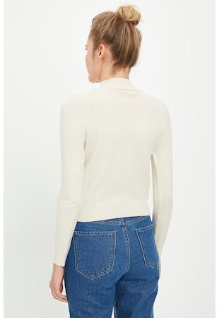 Szűk fazonú pulóver