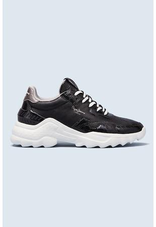 Спортни обувки от лачена еко кожа