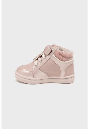 Спортни обувки от кожа и синтетика