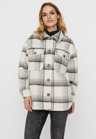 Jacheta-camasa cu buzunare pe piept
