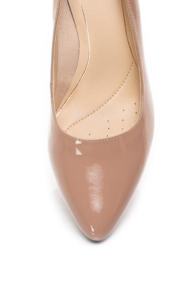 Clarks Pantofi din piele lacuita cu varf ascutit Isidora Femei