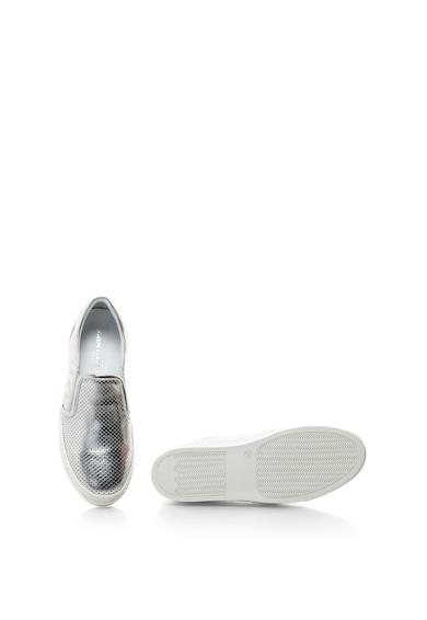 John Galliano Fémes bebújós bőrcipő perforált részletekkel női