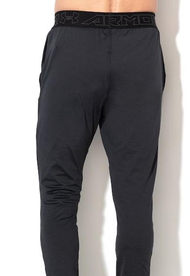 Under Armour Фитнес панталон по тялото, с еластична талия Мъже