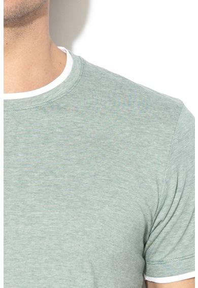 Esprit Regular fit póló 2-in-1 hatású megjelenéssel férfi