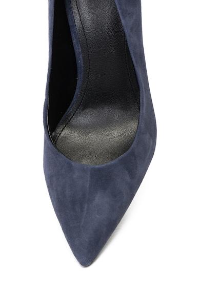 Guess Hegyes orrú nyersbőr cipő szögletes sarokkal női