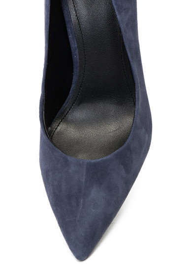 Guess Pantofi de piele intoarsa cu varf ascutit si toc geometric Femei