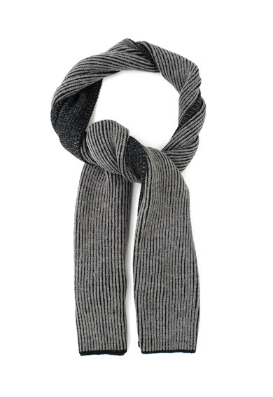 Guess Fular tricotat din amestec de lana Femei