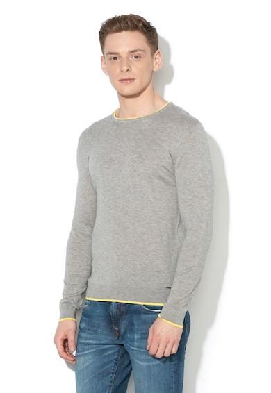 GUESS JEANS Finomkötött pulóver kontrasztos nyakkivágással férfi