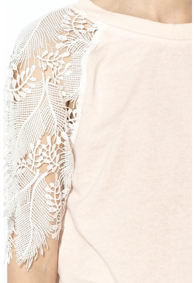 GUESS JEANS Horgolt ujjú pulóver V alakú kivágással a hátán női