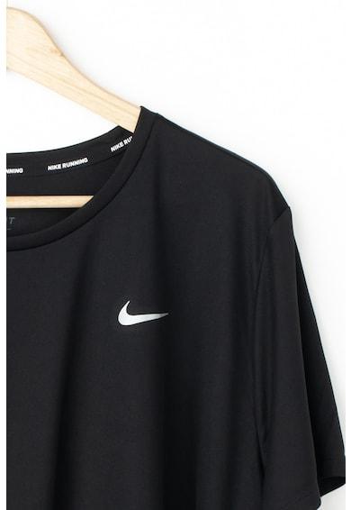Nike Тениска с размер плюс и Dri-Fit за бягане Жени