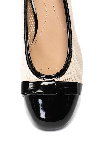 Geox Pantofi de piele ecologica, cu aplicatie cap-toe si aspect perforat Wistrey Femei