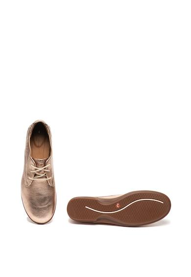 Clarks Pantofi de piele cu aspect metalizat Coral Femei