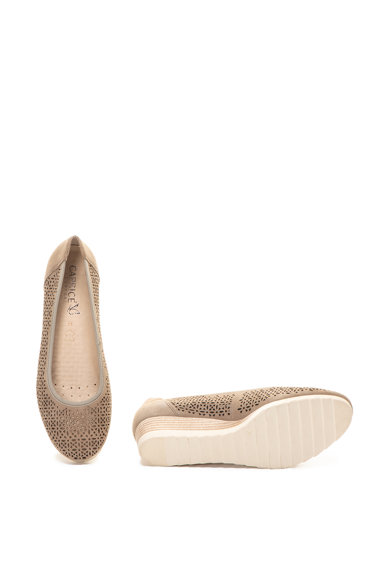 Caprice Велурени обувки с перфорации и скосена платформа Жени