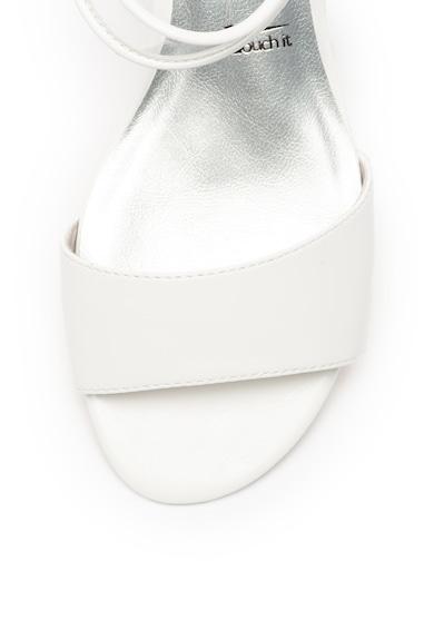 Tamaris Лачени сандали с прозрачен ток Жени