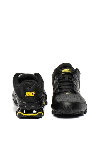 Nike Reax 8 edzőcipő kontrasztos részletekkel férfi