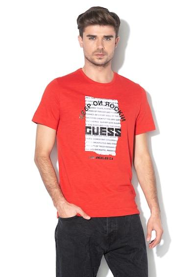 GUESS JEANS Szűk fazonú póló foltrátéttel az elején férfi