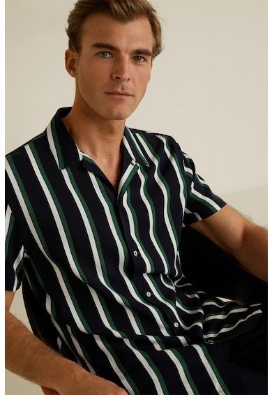 Mango Gacel, Ing férfi