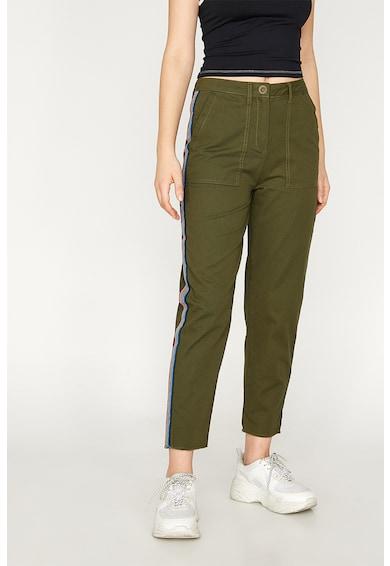 KOTON Pantaloni conici cu segmente laterale contrastante Femei