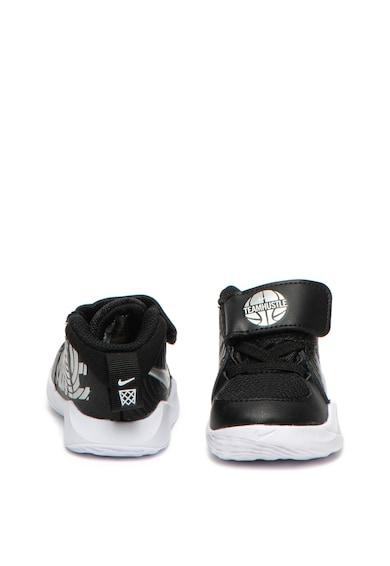 Nike Pantofi sport de piele cu insertii de plasa Team Hustle Fete