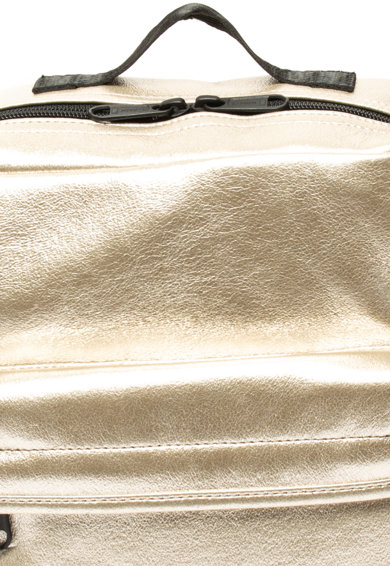 Levi's Fémes hatású műbőr hátizsák női