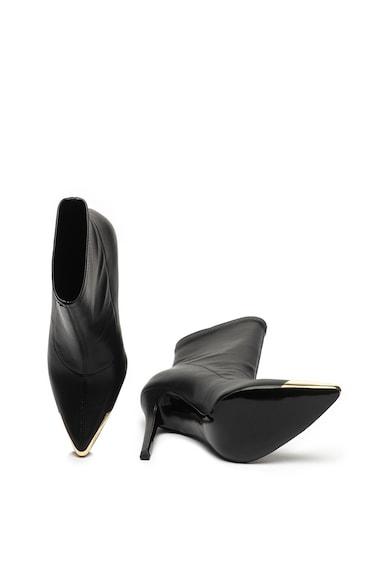 Versace Jeans Couture Botine pull-on cu varf ascutit Femei