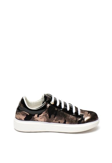 Guess Pantofi sport cu imprimeu camuflaj cu aspect lucios Fete