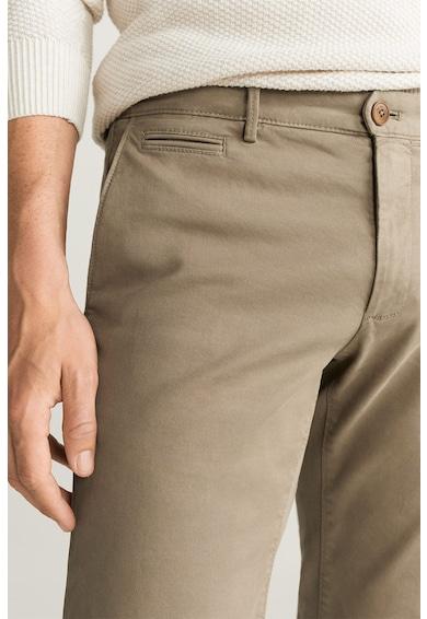 Mango Панталон чино Barna по тялото Мъже