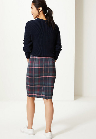 Marks & Spencer Fusta cu croiala creion si model in carouri Femei