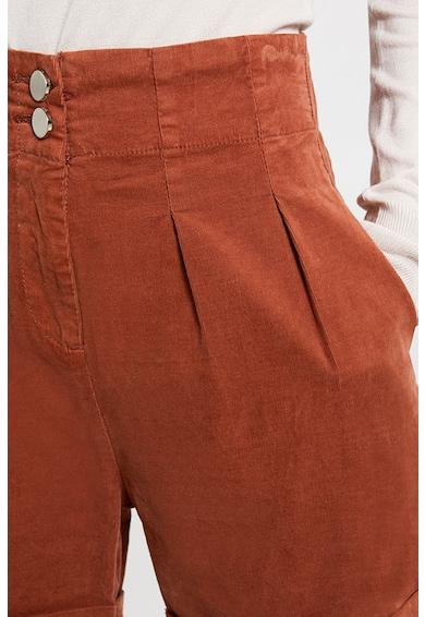 Motivi Pantaloni scurti cu terminatii rasucite Femei