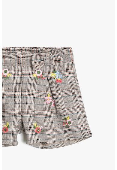 KOTON Pantaloni scurti cu model in carouri si broderii florale Fete