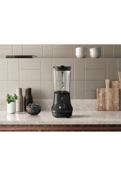 Electrolux Blender  E6TB1-4CW, 700W, 5 viteze + PULSE, 6 lame inox detasabile, cana sticla rezistenta inclinata la 5° Femei