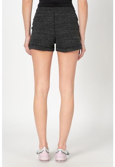Nike Pantaloni scurti slim fit cu logo Femei