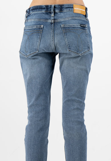 Calvin Klein Jeans Вталени дънки със захабен ефект Жени