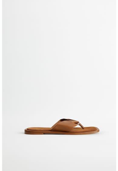 VIOLETA BY MANGO Меки кожени сандали Жени