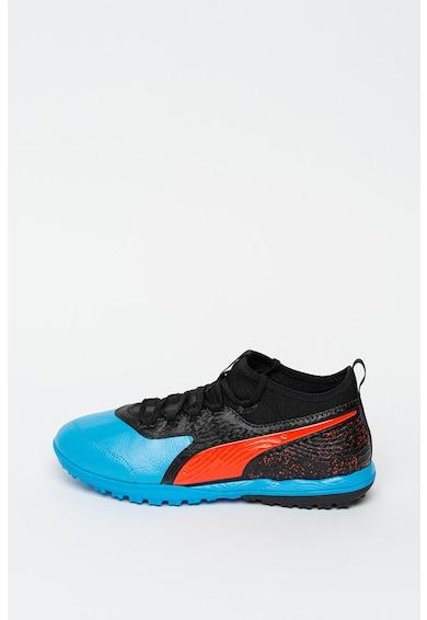 Puma Футболни обувки One с дизайн с цветен блок Мъже