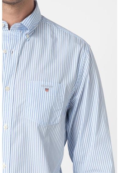 Gant Banker normál szabású csíkos ing zsebbel a mellrészén férfi