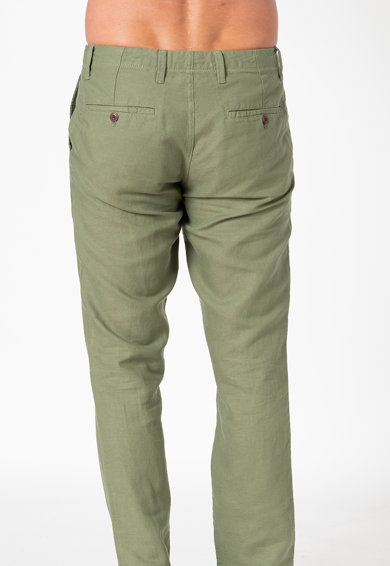 GAP Pantaloni chino slim fit din amestec de in Barbati