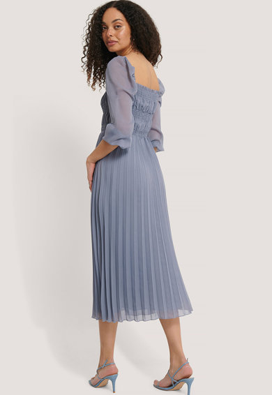 NA-KD Rochie cu pliuri si insertie elastica in talie Femei