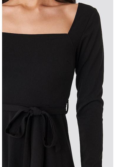 NA-KD Bővülő fazonú ruha levehető derékpánttal A női