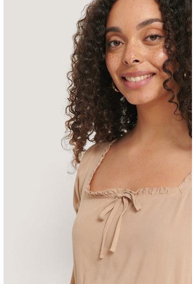 NA-KD Bővülő fazonú miniruha szögletes nyakkivágással női