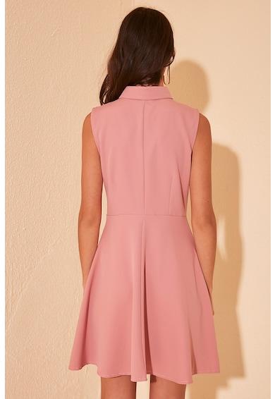 Trendyol Bővülő fazonú ruha hegyes gallérral női