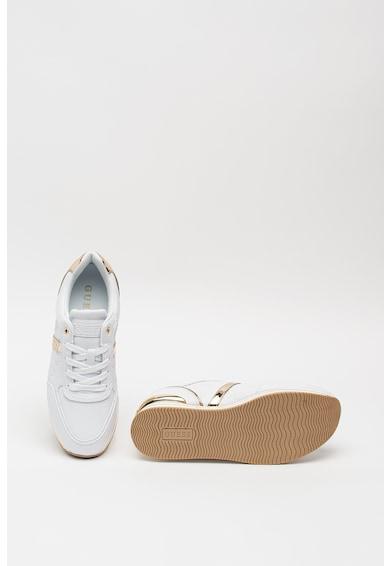 Guess Műbőr flatfrom sneaker fémes hatású részletekkel női