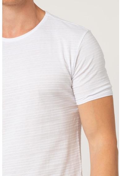 Trendyol Tricou cu decolteu la baza gatului si aspect texturat Barbati