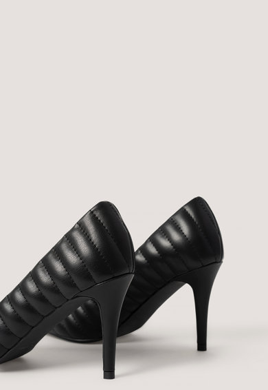 NA-KD Hegyes orrú tűsarkú cipő steppelt hatással női